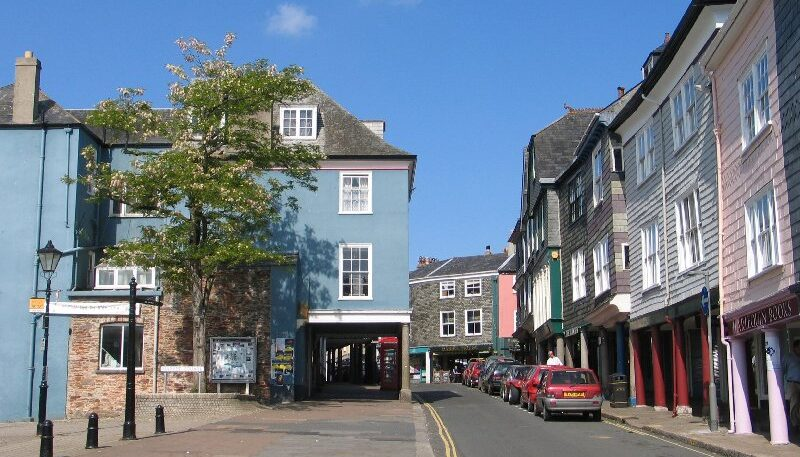 Totnes town trail banner images (4)